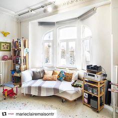 #Repost @marieclairemaisontr with @repostapp  ・・・  Yiğit Yazıcı'nın renkli ve sıra dışı yaşam alanını ziyaret ettik bu ay. Sanatçının hem atölye hem de ev olarak kullandığı bu mekâna dair detayları nisan sayımızda bulabilirsiniz. 📸: @fevziondu *  *  #marieclairemaisontr #interior #decoration #artiststudio #yigityazici #istanbulhome #colorful #inspiration #creative #basedinistanbul #instagood #styleoftheday #bohemian #diy #tesekkurler @marieclairemaisontr ❤️