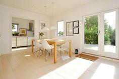 RobinHus - Villa i Virum sælges : Smuk villa med god plads og planløsning