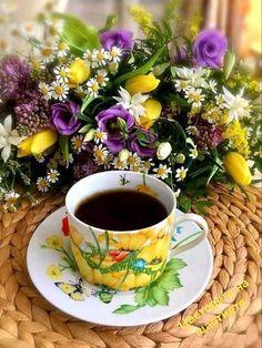 Coffee Zone, Coffee Art, Coffee Cups, Tea Cups, Good Morning Coffee Gif, Coffee Break, Coffee Presentation, Good Morning Images Flowers, Retro Cafe