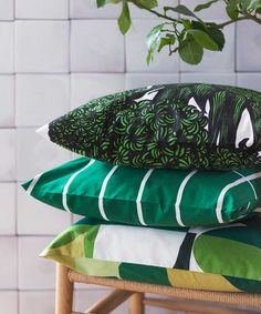 s Hyasintti cushion cover features a beautiful pattern of large green hyacinths, designed by Anneli Qveflander in The cushion cover is made of cotton, and it has a zip closure on the side. Marimekko, Nordic Design, Scandinavian Design, Bed Pillows, Cushions, Green Rooms, Cozy Living, Beautiful Patterns, Home Collections