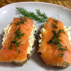Cocina con Quenyin: Montadito de salmón ahumado con queso Philadelphia y eneldo