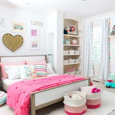 This little girls' bedroom filled with tassels, pompoms and pink is a dream come true for a lucky little girl out there!✨ Want to create an adorable bedroom for your little ones but don't want to spend full price on all the decor? Head to our site to check out some new or gently used handmade home decor pieces!