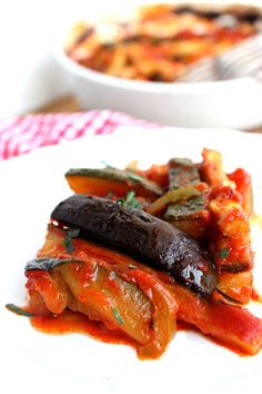 Boldog Kukta: Ratatouille Julia Childtól Ratatouille, Fruits And Vegetables, Kids Meals, Steak, Beef, Chicken, Kitchen, Child, Cook Books