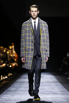 DIOR HOMME WINTER 2015/16 FASHION SHOW / Collections and fashion shows / Man / Dior official website