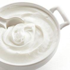 Make Greek Yogurt, Homemade Greek Yogurt, Greek Yogurt Recipes, Making Yogurt, Greek Desserts, Greek Yoghurt, Plain Yogurt, Homemade Ice, Heart Healthy Recipes