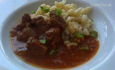 Maďarský guláš s českými nokerlami Goulash, Eastern Europe, Beef, Basket, Red Peppers, Meat, Steak