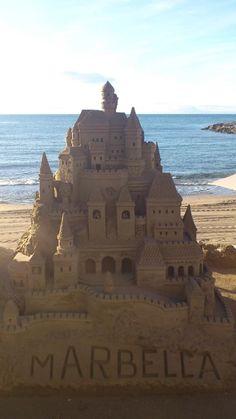 ✯ Come to #Marbella castillo de arena #hostaltiomateo