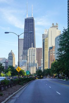 13 Inspiring Chicago Photography Spots You Won't Want to Miss - This Darling World Chicago Travel, Chicago City, Michigan Travel, Chicago Illinois, Lake Michigan, Chicago Photography, Travel Photography, Canada Travel, Travel Usa