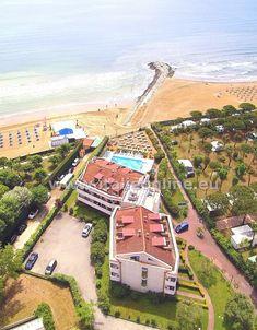 Itálie, Benátsko, Lido di Cavallino, Residence Eurobeach. Dovolená u moře, léto v Itálii, blízko pláže. Apartmány s kuchyňkou, vlastní koupelna, balkon, parkování, bazén. Vhodné pro rodiny s dětmi.