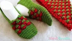 3D ÇİLEK TARLASI PATİK YAPIMI#moda #hobi #hobby #elişi #kadın #orgu #knitting Crochet Shoes Pattern, Shoe Pattern, Crochet Art, Crochet Slippers, Bed Socks, Crochet Baby Shoes, Designer Socks, Baby Knitting Patterns, Embroidery Stitches
