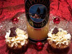 Eierlikör Rezept: Verpoorten Punsch-Cupcakes ''Wintertraum'' mit Pflaumenfüllung und Zimt-Topping - Backrezepte - Verpoorten