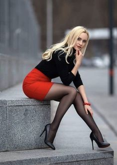 Great Legs, Beautiful Legs, Gorgeous Women, Gorgeous Heels, Mode Outfits, Sexy Outfits, Sexy Dresses, Pantyhose Outfits, Nylons And Pantyhose