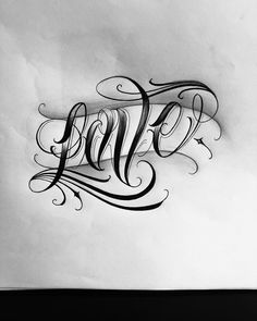 Tattoo Lettering Design, Chicano Lettering, Graffiti Lettering Fonts, Graffiti Tattoo, Tattoo Design Drawings, Tattoo Sketches, Tattoo Fonts Alphabet, Hand Lettering Alphabet, Tattoo Script