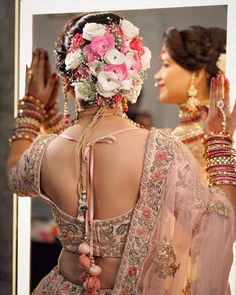 Wedding backless blouse design with dori Wedding Hairstyles For Women, Bridal Hairstyle Indian Wedding, Bridal Hair Buns, Bridal Hairdo, Indian Bridal Outfits, Indian Wedding Hairstyles, Bride Hairstyles, Bengali Wedding, Indian Dresses