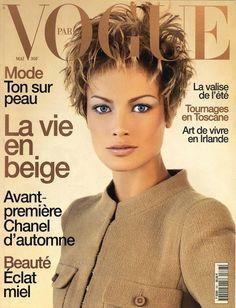 Carolyn Murphy en couverture du nuùéro de mai 1996 de Vogue Paris http://www.vogue.fr/thevoguelist/carolyn-murphy/68