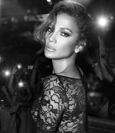Jennifer Lopez, love the lighting in this shot