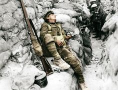 Friday 1 July 2016 marked the centenary of the beginning of the Battle of the Somme, the biggest conflict seen on the Western Front during World War I. Here are some of the most arresting photos from the war. Contains graphic images. Triple Entente, World War One, First World, Batalha Do Somme, Schlacht An Der Somme, Guerra Total, Battle Of The Somme, Historia Universal, Marie Curie