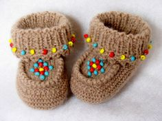 Baby MoccasinsKnitted Baby by RozelynnsNeedleArt on Etsy, $28.00