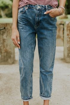Loose Fit Denim Blue Mom Jeans | ROOLEE