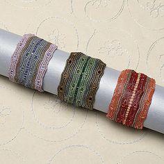 Add a splash of sparkle: bracelet, herringbone stitch, peyote stitch