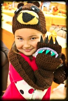 Otter & Clam Hat/Scarf Set