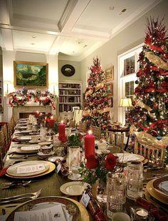 Christmas China, Christmas Scents, Christmas Music, Christmas Paper, 1st Christmas, Christmas Balls, Christmas Hand Towels, Santa Mugs, Green Wreath
