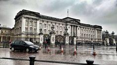 #buckinghampalace #thisislondon #architecture #greatbritain #london #tourist #architecturelovers #unitedkingdom #lovegreatbritain #city #travelbug #wanderlust #travel by sajo_94
