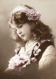JanetK.Design Free digital vintage stuff: Sad girl                                                                                                                                                                                 Más