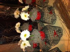 Swamp Chic table centerpieces-mini crawfish traps