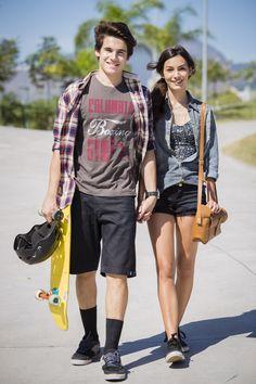 O Rodrigo e a Luciana apostam sempre no estilo street em Malhação. A camisa xadrez e a meia preta destacam o look do Nicolas Prattes http://gshow.globo.com/