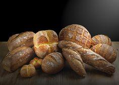 Especiales: Pan de pueblo, redondo gallego, chuscos de naranja y chocolate, panec de nueces, de orégano, de olivas...