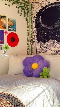 Indie Room Decor, Cute Bedroom Decor, Room Design Bedroom, Room Ideas Bedroom, Chambre Indie, Pastel Room, Cute Room Ideas, Kawaii Room, Pretty Room
