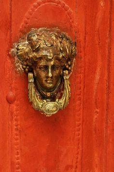 Doorknocker, Symi island Red wooden wall and golden door knob Door Knobs And Knockers, Knobs And Handles, Door Handles, Door Detail, Unique Doors, Door Furniture, Windows And Doors, Knock Knock, Portal