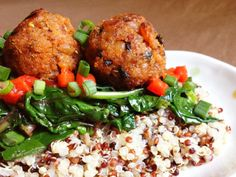 Maple Sriracha Tempeh Balls #recipe — Wholly Vegan adapted the Maple-Sriracha Breakfast Sausage Patties from The Sriracha Cookbook and made it #vegan! Looks awesome!