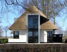 Afbeeldingsresultaat voor woonhuis met moderne rietkap