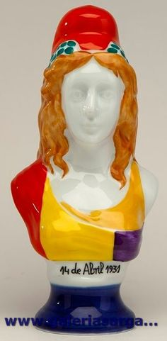 Figura conmemorativa del 75 aniversario de la II República Española.