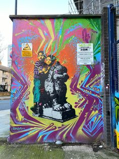 Explore edgy, political and colorful street art in Shoreditch London. Find graffiti and murals on Brick Lane and take a street art tour of the East End. Get a map of Shoreditch London street art. Tour Around The World, Brick Lane, London Street, Chalk Art, Paint Brushes, Urban Art, Mind Blown, Murals, Cool Pictures