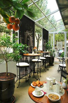 Avignon (FRANCE) - Our hotel breakfast room