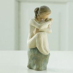 Willow Tree Guardian Mother and Baby Figurine Lordi 26195 Love Protect Forever Angel Sculpture, Sculpture Art, Willow Tree Figuren, Gray Rock, Losing A Child, Baby Wraps, Mother And Baby, New Baby Gifts, Decoration
