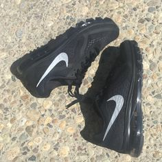 {Nike} Black Air Max 2014 Women's size 9. Brand new, never been worn. I'll pack them in a designer box to keep them safe. ❗️Price is firm, unless bundled ❗️    ❌ NO TRADES - SELLING ON POSH ONLY ❌ ❌ NO LOWBALLING ❌  ✅ Bundle Discounts ✅ Ship Next Day of Purchase   % AUTHENTIC Nike Shoes Sneakers