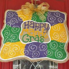 "Locally hand painted burlap door hanger painted in purple, green and gold with glitter and ""Happy Mardi Gras"" in the center. Wonderful as a gift or for your own home! Burlap Projects, Burlap Crafts, Wooden Crafts, Diy Crafts, Adult Crafts, Wood Projects, Holiday Wreaths, Holiday Fun, Burlap Door Hangings"