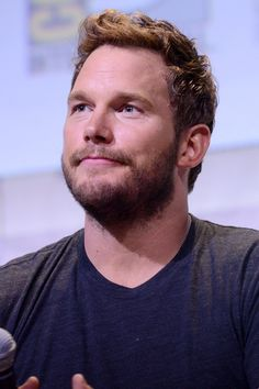 Pin for Later: Literally Just 14 Pictures of Chris Pratt Being Cute at Comic-Con