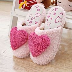 High Quality New Womens Soft Fluffy Cosy Furry Cute Heart Warm Winter pantufas de pelucia Home Slippers Indoor Shoes Lovely