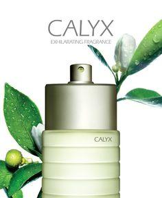 Parfum du Jour - Clinique Calyx  Novateur depuis sa création, Calyx est le fruit d'un genre entièrement nouveau de parfums floraux fruités : un envoûtant bouquet de roses et de fleurs d'oranger pour dégager une odeur délicatement féminine. Un parfum aux notes uniques tout à fait originales. Eau de Parfum 50ml : 164dt000   #Fatales #Clinique #Calyx