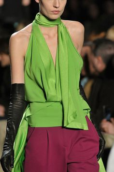 Diane von Furstenberg at New York Fashion Week Fall 2012 - Details Runway Photos Couture Fashion, Runway Fashion, Fashion Outfits, New York Fashion, Diane Von Furstenberg, Dali, Fashion Details, Fashion Design, Classy And Fabulous
