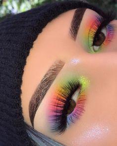 Maquillajes para cuando podamos salir a perrear hasta el suelo Makeup Eye Looks, Eye Makeup Art, Crazy Makeup, Skin Makeup, Eyeshadow Makeup, Makeup Inspo, Makeup Ideas, Makeup Tips, Makeup Geek