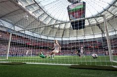 Netherlands goalkeeper Loes Geurts, in green, allows a goal to Japan's Saori Ariyoshi as Netherlands' Stefanie van der Gragt (3) defends during the first half of a round of 16 soccer match at the FIFA Women's World Cup, June 23, 2015, in Vancouver. (Darryl Dyck/The Canadian Press via AP) ▼24Jun2015AP|Japan beats the Netherlands to reach World Cup quarterfinal http://bigstory.ap.org/article/e21e3c0254e14125aa2c49aef8fab80c #2015_FIFA_Womens_World_Cup #Round_of_16_Japan_vs_Netherlands