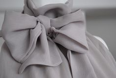 Beautiful Details - The Loving bodysuit has the most nice bow (pussybow) on the neck.