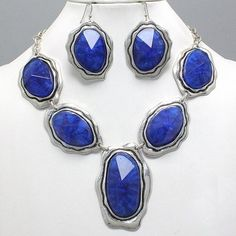 Chunky Burnished Silver Deep Blue Accent Fashion Jewelry Statement Necklace Set