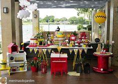 WEBSTA @ carolfesteira - Lindo Snoopy! @Regrann from @meninasdojardim -  Festinha linda do Snoopy que fizemos no Iate clube. Uma ótima pedida para quem quer fazer uma única festa para dois filhos do sexo oposto. Produção, decoração e aluguel de peças: @meninasdojardim #festasnoopy #snoopyparty #festainfantil #festa #decoraçãodefesta #inspiração #party #partydecor #cake #kidsparty #ideiasparafestas #birthday #firstyear #inspiration #partykids #partyideas #igdefesta #sweettable #carolfesteira